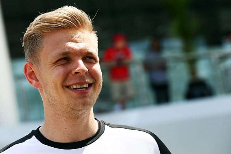 Ex-McLaren F1 racer Kevin Magnussen gets Mercedes DTM test