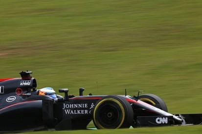 McLaren F1 car half 2016 parts at Abu Dhabi GP - Fernando Alonso