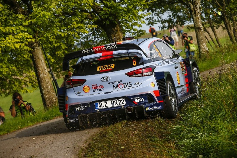 Thierry Neuville promises more risks in 2017 WRC title fight