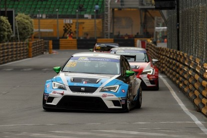 SEAT driver Stefano Comini takes TCR crown in hectic Macau race