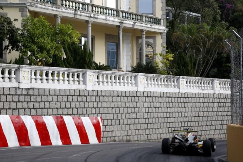 F3 Macau GP: Carlin hopes stewards reconsider Giovinazzi penalty
