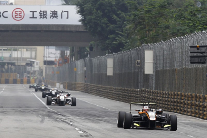 Carlin angry with Antonio Giovinazzi's Macau Grand Prix penalty