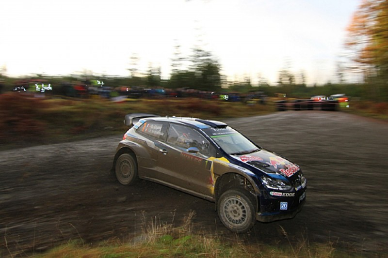 WRC Rally GB: Ogier leads from Meeke after Latvala's crash