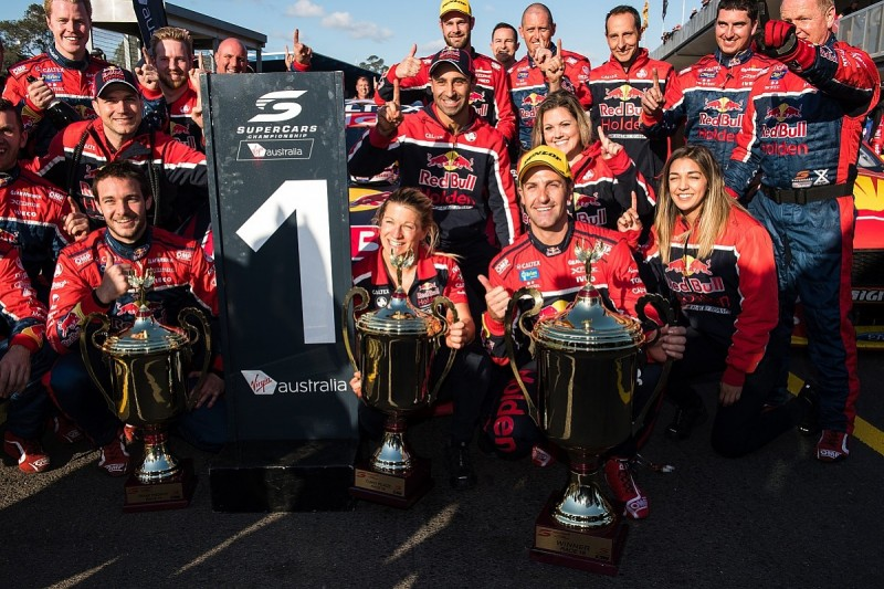 Jamie Whincup breaks Supercars record with 106th race win at Sydney