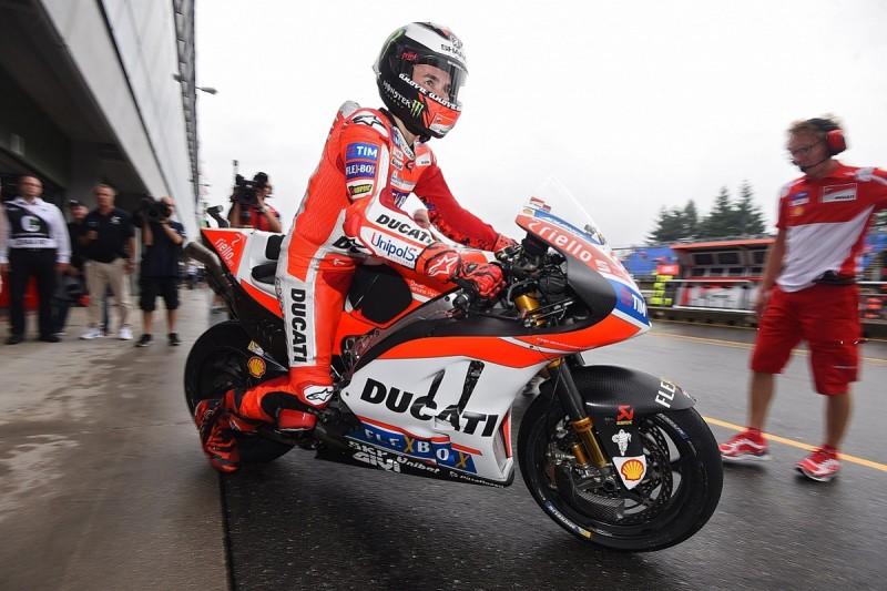Lorenzo: MotoGP teams underprepared for 'dangerous' bike swaps