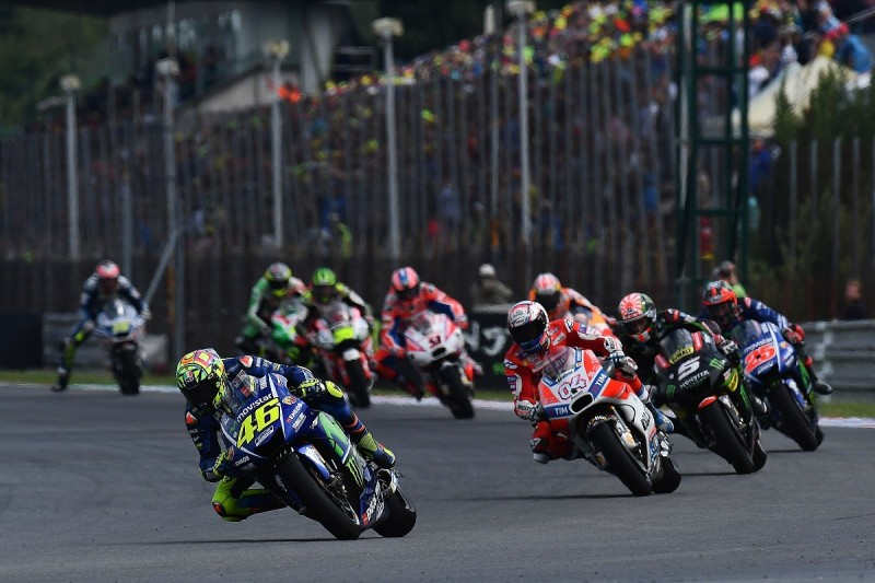 Valentino Rossi: MotoGP flag-to-flag are a weakness for me