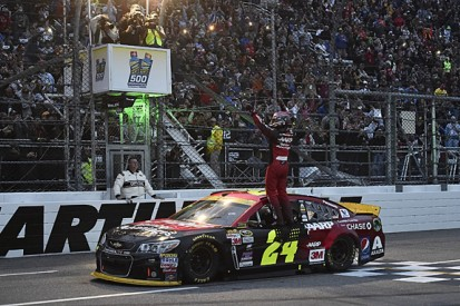 Jeff Gordon wins incident-packed NASCAR Martinsville race