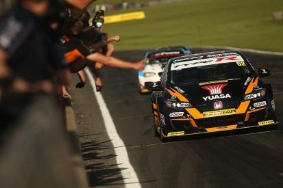 Snetterton BTCC: Gordon Shedden retakes points lead with win