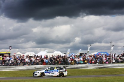 BTCC Snetterton: Sutton takes lead of the standings with second win