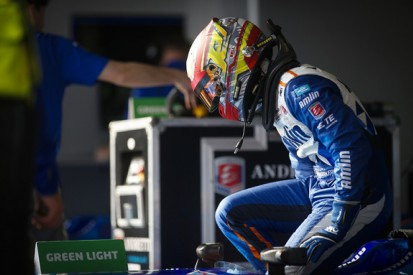 Formula E could drop minimum pitstop time with new belt light