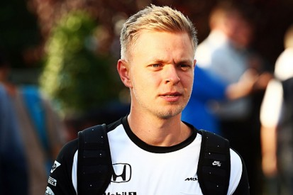 Kevin Magnussen should get 2016 F1 drive - McLaren's Eric Boullier