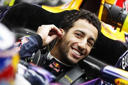 Upgraded Renault F1 engine 'probably not worth it' - Ricciardo