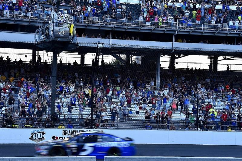 NASCAR defends controversial Indianapolis final caution decision