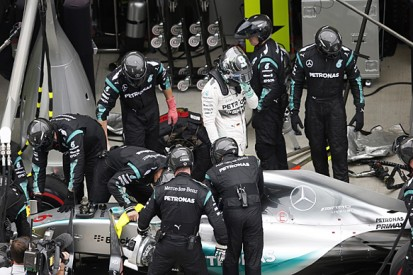 Russian F1 GP: Lewis Hamilton concerned by Nico Rosberg's failure