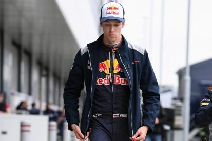 Kvyat: Sainz could've avoided Toro Rossos' British GP collision