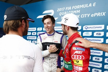 New York Formula E: Stand-in Lynn claims a stunning debut pole