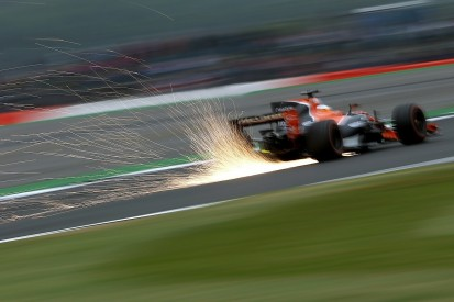 Fernando Alonso pins British GP hopes on F1 'chaos' at Silverstone