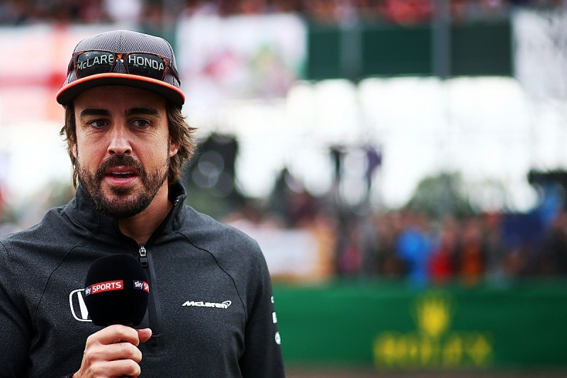 McLaren expects Fernando Alonso to stay in Formula 1 in 2018