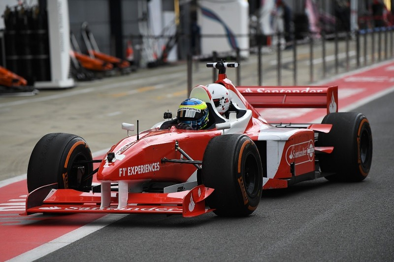 Mike Gascoyne back to Formula 1 to redesign F1 two-seater