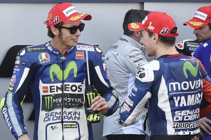 Yamaha MotoGP title rivals Rossi and Lorenzo play down injuries