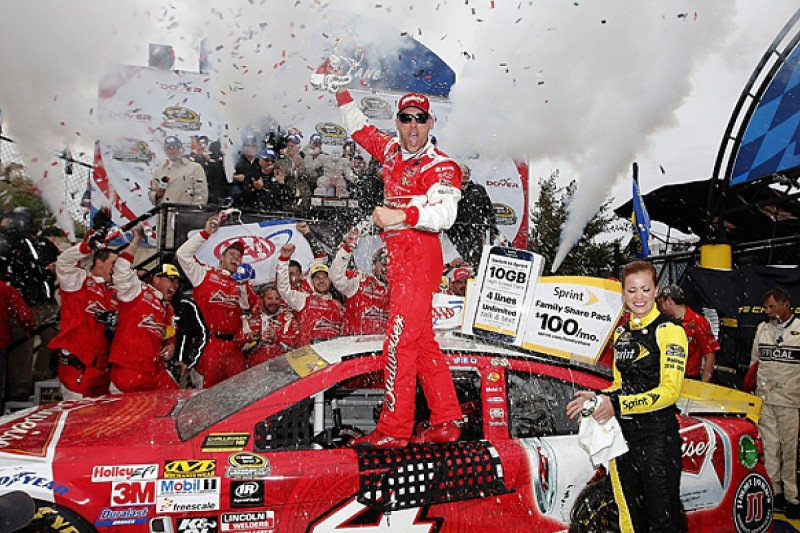 Dover NASCAR: Kevin Harvick dominates, Jimmie Johnson out of Chase