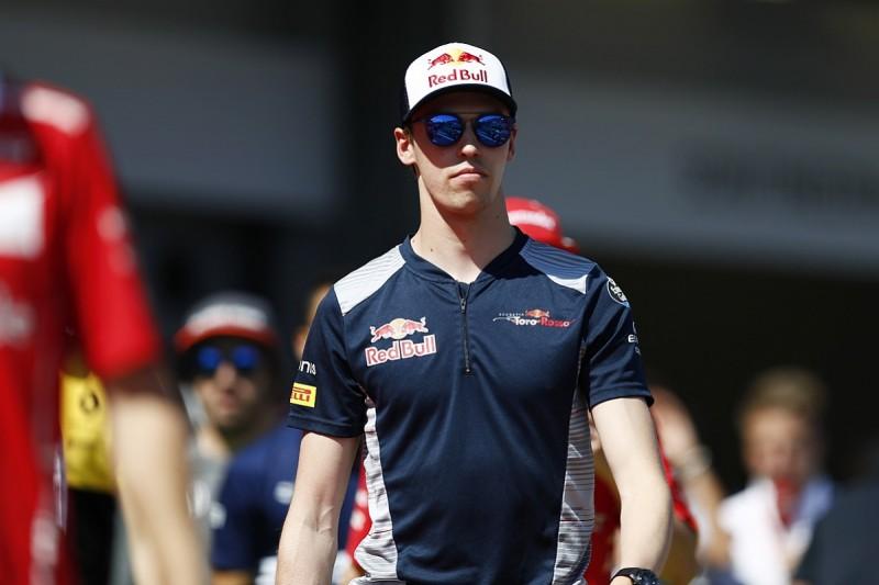 Daniil Kvyat set to remain with Toro Rosso F1 squad for 2018 season