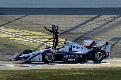 Iowa IndyCar: Helio Castroneves takes first win since 2014