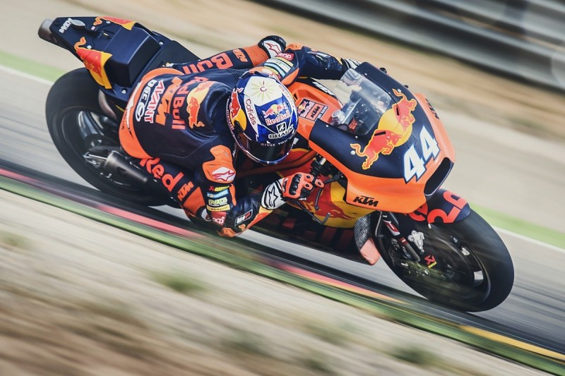 Moto2 frontrunner Oliveira gets first MotoGP run in KTM Aragon test