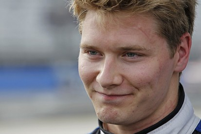 CFH Racing re-signs Josef Newgarden for 2016 IndyCar season