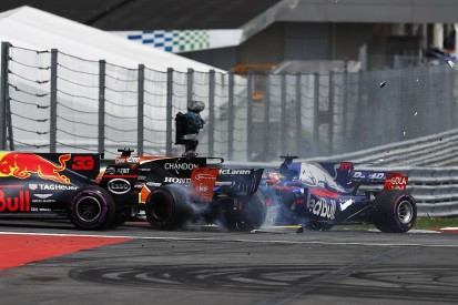 Alonso: Kvyat took too big a risk at F1 Austrian Grand Prix start