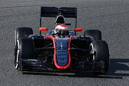 La McLaren MP4-30 dans le jeu vidéo iRacing l'été prochain