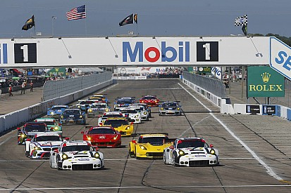 Porsche's 1-2 dramatically falls apart in final hour at Sebring