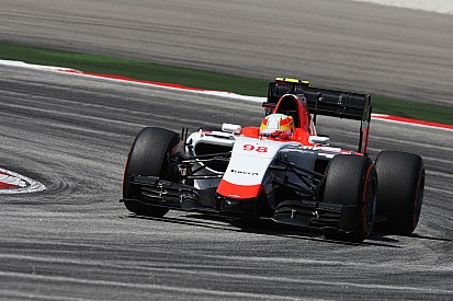 Merhi expects Manor to be allowed to race