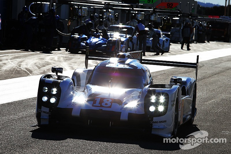 Porsche confirme en tête du Prologue
