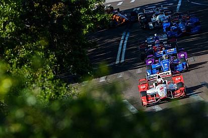 Монтойя с победы начал новый сезон IndyCar