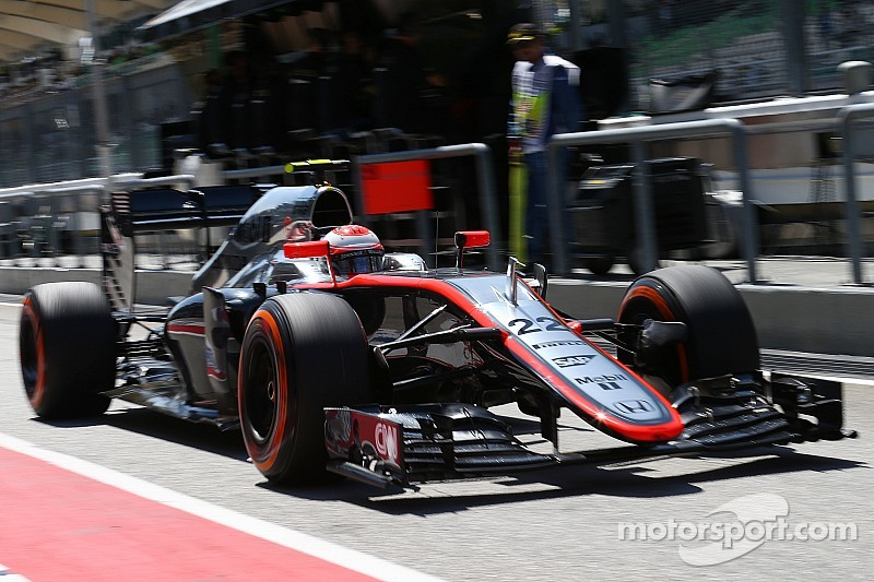 Button claims McLaren front wing breakthrough