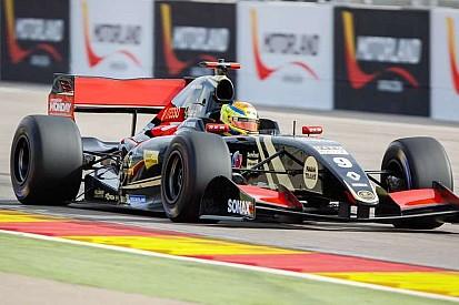 Ваксивьер впереди после первого дня тестов Формулы Renault 3.5 в Арагоне