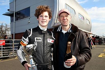 Сын Палмера опередил сына Ньюи на первом этапе британской Ф4