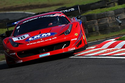 Carroll hangs on to clinch British GT opener