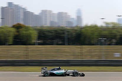 Hamilton leads as Mercedes dominates