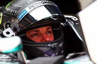 """Villeneuve: Ferrari's strong pace """"bad news"""" for Rosberg"""