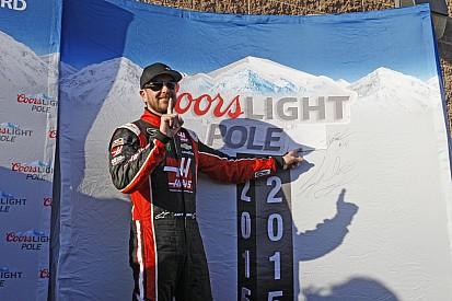 Busch wins Texas pole with SHR teammate Harvick alongside