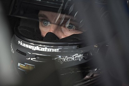 Kahne continues steady rebound