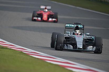 Hamilton se méfie des Ferrari à Shanghai