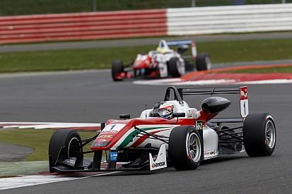 Rosenqvist dominates damp Silverstone opener