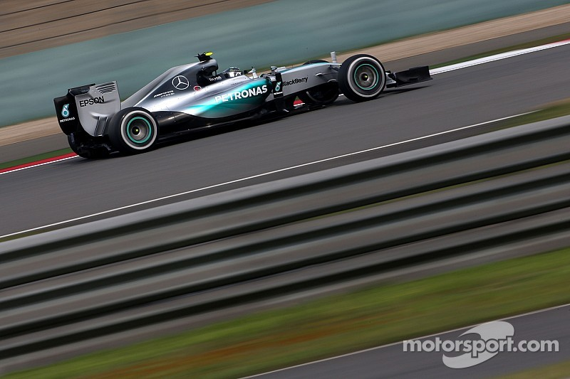 """Rosberg, """"frustrado"""" al perder la pole por tan poco"""