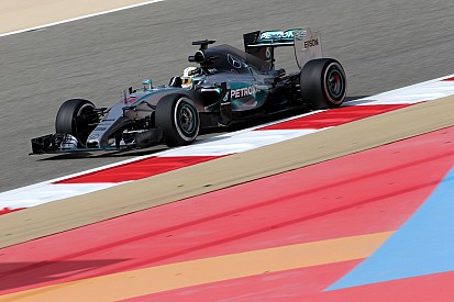 Hamilton leads from Vettel in final Bahrain practice
