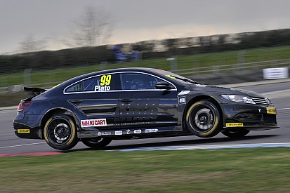 Plato dominates BTCC practice at Donington