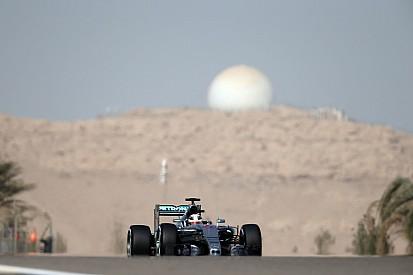 Hamilton domina, pero Vettel da pelea