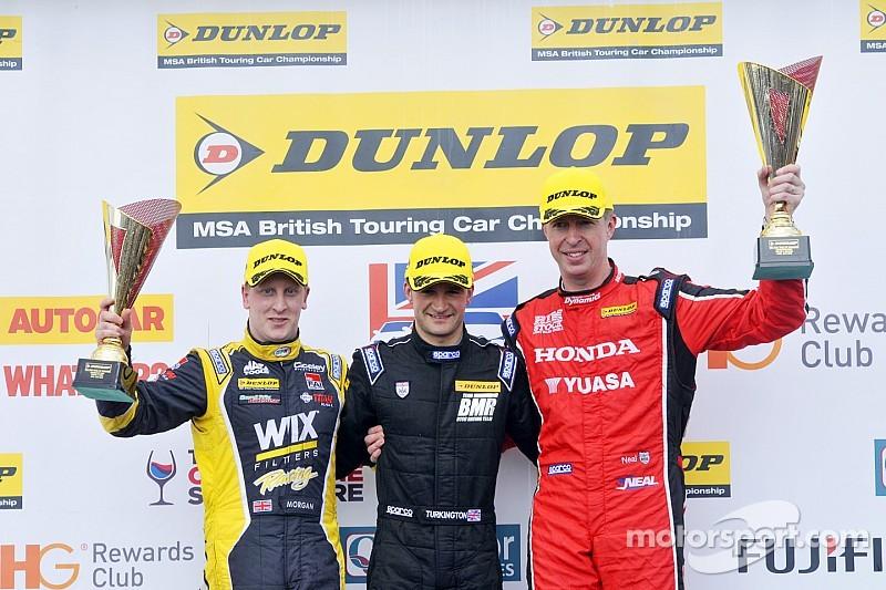 Neal, Plato y Turkington, vencedores en Donington